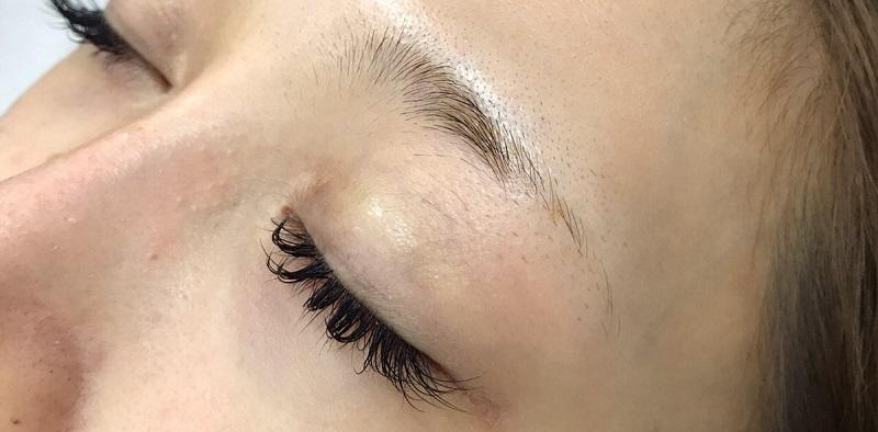 【アートメイク眉】4D眉で長年愛せるアーチ眉に 20代女性【症例No.29A0000188】